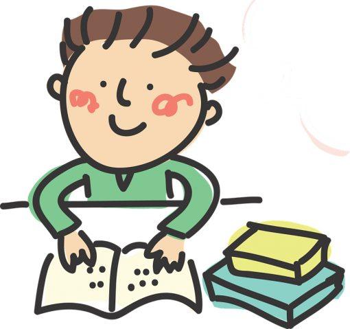 Niño estudiando