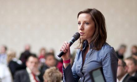 Cómo improvisar un buen discurso en público.